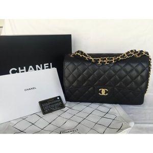 Chanel Classic Flap Bag Jumbo